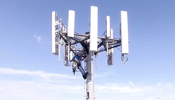 19_antenna_tower_lineman